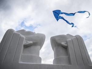 03сентября наКомсомольской площади Ухты состоялся начальный градский пир воздушных змеев. Организатором уникального действие выступило ООО«Газпром трансгаз Ухта»